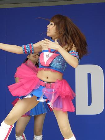 081 あいかちゃんのダンスは、ウェーブが特徴的!