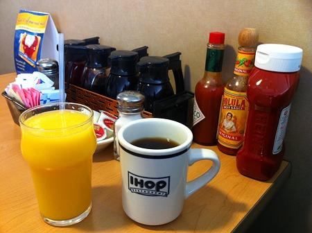 コーヒーとオレンジジュース