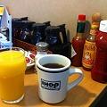 Photos: コーヒーとオレンジジュース