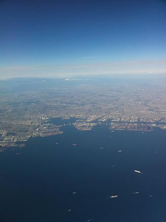 空から見た横浜と東京