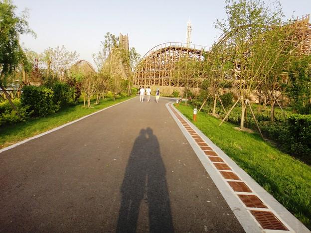 ジェットコースターと二つの影