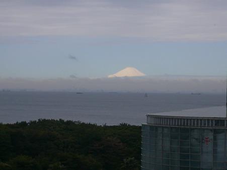 2010/04/17(土) 千葉から観た東京湾越しの富士山