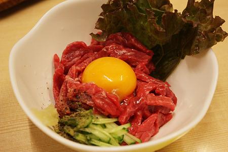 2010/08/13(FRI) 旭市・大衆肉料理 今久/和牛ユッケ(醤油) 1人前 630円