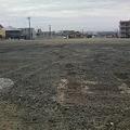 写真: 更地になった旧ホームセンタームサシ青山店跡地
