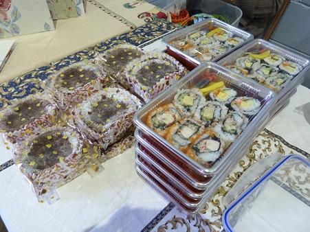 海苔巻き・日本茶入りケーキ