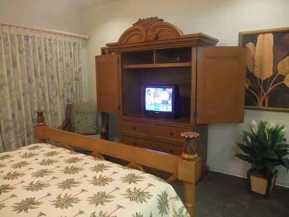 ハワイ島 コナコーストリゾート ケースの割りにテレビ小さっ
