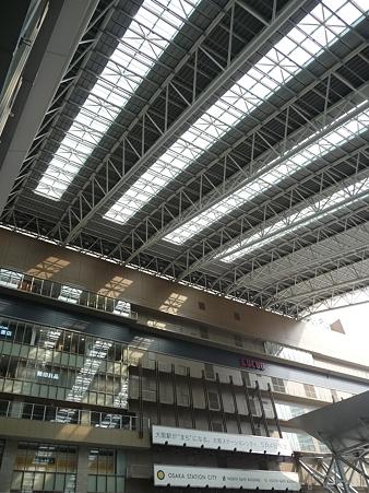 110416-17 大阪駅 (12)