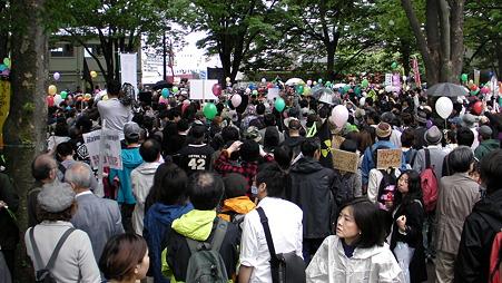 渋谷 原発やめろデモ 20110507 (1)