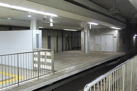 御崎公園駅ホーム