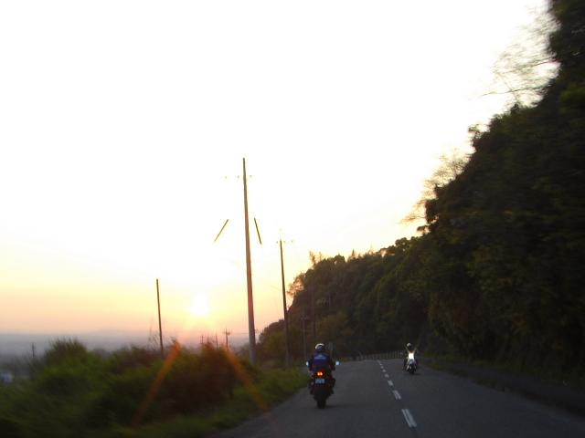 18:30なのにまだ陽がある