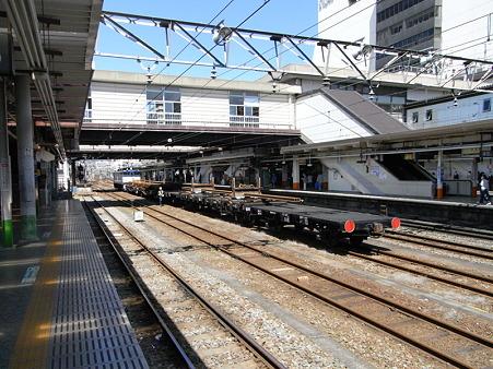 EF64-36とチキ(八王子駅)2