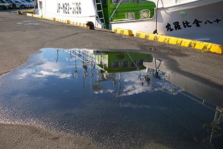 2010.10.29 気仙沼漁港 埠頭の空