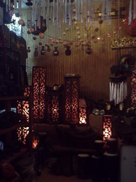 バンコク|ナイトバザール お土産に人気の間接照明