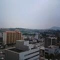 写真: 大分は薄曇りです。梅雨も間...