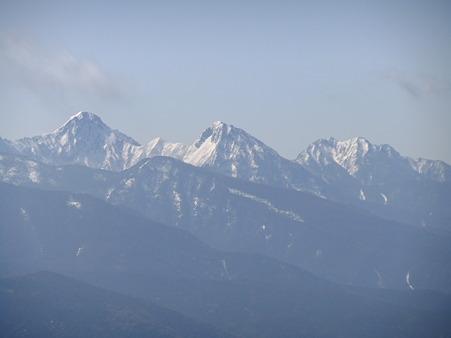 右から権現岳、赤岳、阿弥陀岳